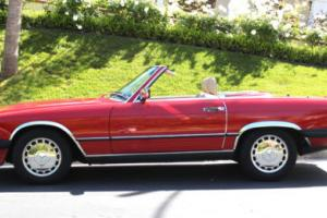 1989 Mercedes-Benz 500-Series 560SL Photo