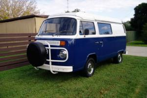 VW KOMBI 1975 Campervan. In good condition. Photo