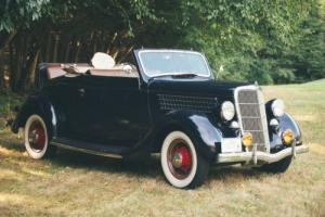 1935 Ford 48 Cabriolet Photo