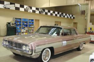 1962 Oldsmobile Starfire 2DR Photo