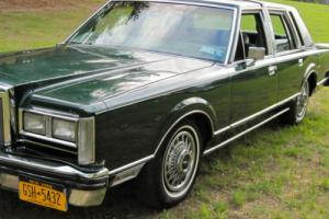 1980 Lincoln Continental Photo