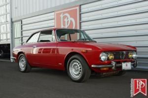 1973 Alfa Romeo GTV 2000 Coupe Photo