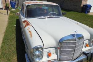 1962 Mercedes-Benz 200-Series