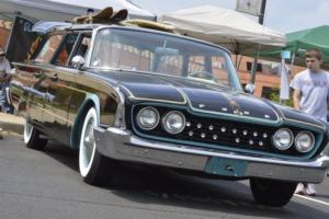 1960 Ford Wagon Photo