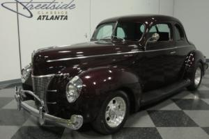 1940 Ford Coupe Photo