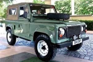 1986 Land Rover Defender -- Photo