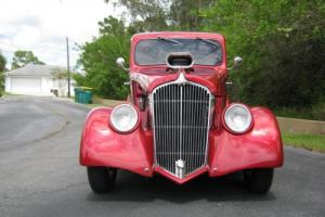 1933 Willys 77 Photo