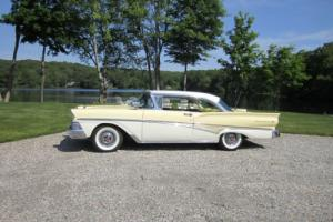 1958 Ford Fairlane Photo