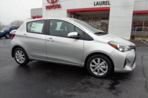 2017 Toyota Yaris 5-Door LE