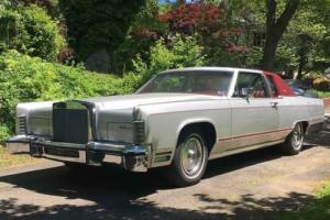 1979 Lincoln Continental Town Coupe Photo