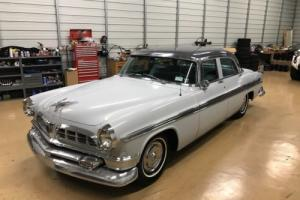 1955 Chrysler New Yorker Photo