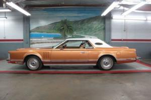 "1977 Lincoln ""Mark V"" -- Photo"