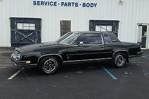 1985 Oldsmobile Cutlass -- Photo