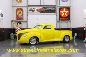 1939 Studebaker Commander -- Photo