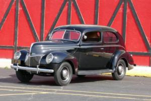1939 Ford Deluxe Business Coupe Photo