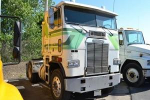 1989 Freightliner FLA8642T Photo
