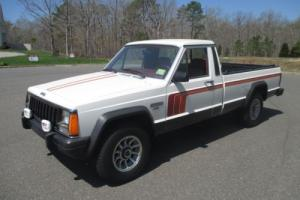 1986 Jeep Comanche Photo