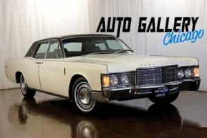 1969 Lincoln Continental -- Photo
