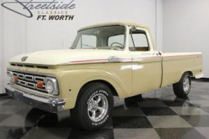 1964 Ford F-100 Custom Cab Photo