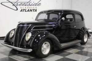 1937 Ford Slantback Photo