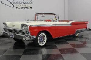 1959 Ford Skyliner Photo