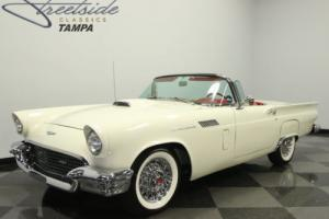 1957 Ford Thunderbird Photo