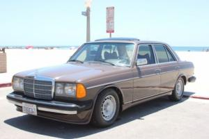 1979 Mercedes-Benz E-Class Photo