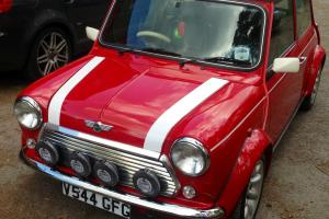 ROVER MINI COOPER SPORTS PACK RED AND WHITE  Photo