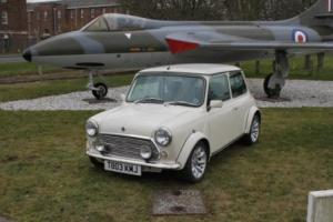 Rover Mini Cooper 40 limited edition in white  Photo