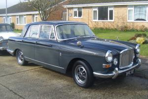 Vanden Plas 4 litre r  Photo