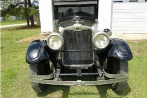 1925 Peerless 4-door V-8, Model 67 Photo