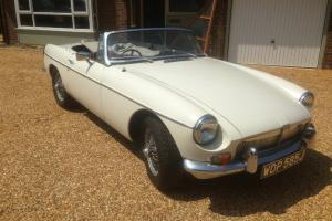 1970 MGB GT CONVERTIBLE  Photo
