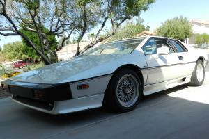 1987 Lotus Esprit Turbo Coupe 2-Door 2.2L