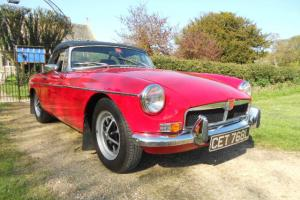 MGB ROADSTER 1973 L REG MOT / TAX TARTAN RED