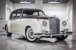 BENTLEY S2 Photo
