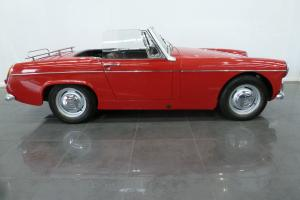 MG MIDGET RED  Photo
