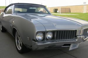 1969 Oldsmobile Cutlass Base 5.7L 4-speed
