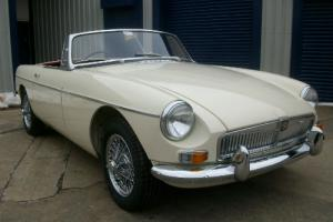 MGB 1964 Mk1 White (Pull Handle) Matching Numbers Photo