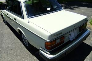 1982 volvo GL sedan 4-door 2.1 L GAS