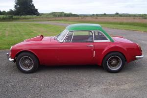 MGB V8 ROADSTER,1963 PULL HANDLE,REG NO 979 DVE,NEEDS RECOMMISIONING,STUNNING