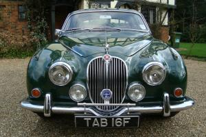 1968 JAGUAR MK2 2.4/240 MANUAL BRITISH RACING GREEN  Photo