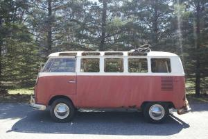 1966 VW Samba 21 Window Deluxe Bus