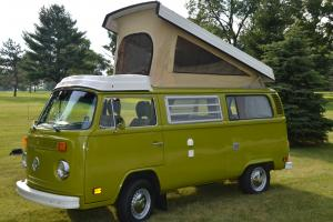1977 Volkswagen Westfalia Campmobile w/stove,sink,refrigerator,lift top Great Photo