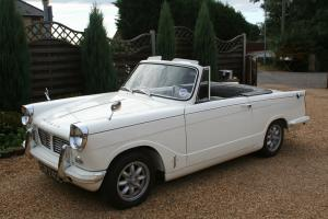 TRIUMPH HERALD 1200 WHITE  Photo