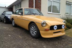 1976 MG B GT BEIGE  Photo