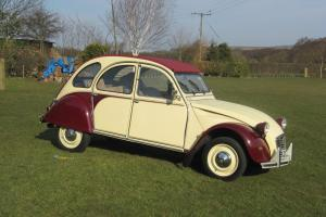 CITROEN 2CV6 / 2CV DOLLY. PLUMS AND CUSTARD