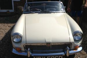 MGB Roaster 1966  Photo