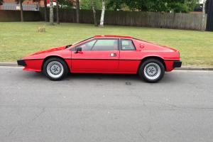 1982 LOTUS ESPRIT RED