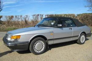 SAAB 900 TURBO CLASSIC 16 VALVE TURBO CONVERTIBLE WITH 29,000 MILES AND FSH.