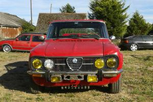 Alfa Romeo julia 1968 1750 twin cam and twin webbers. Bellisimo